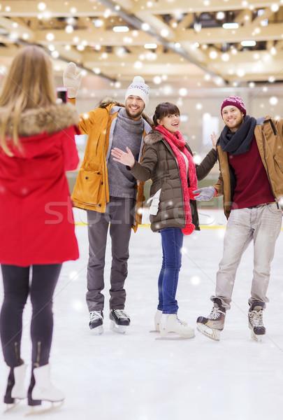 Boldog barátok elvesz fotó korcsolyázás pálya Stock fotó © dolgachov