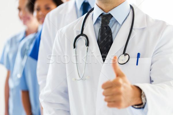 Сток-фото: счастливым · врач · жест