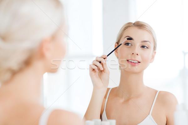 Nő szemöldök ecset fürdőszoba szépség smink Stock fotó © dolgachov