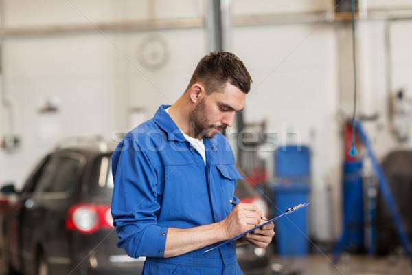 Meccanico auto uomo appunti auto workshop servizio Foto d'archivio © dolgachov