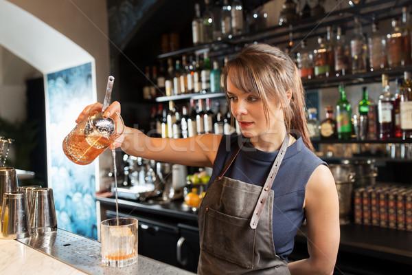 Cam sürahi kokteyl alkol içecekler insanlar Stok fotoğraf © dolgachov
