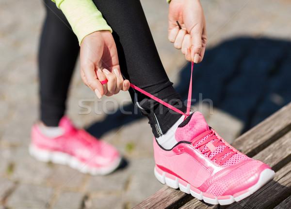 Runner kobieta trenerów buty sportu fitness Zdjęcia stock © dolgachov