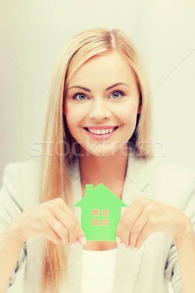 Mujer ilustración eco casa sonriendo verde Foto stock © dolgachov