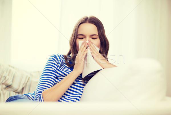 Beteg tinilány papír papírzsebkendő egészségügy gyógyszer Stock fotó © dolgachov