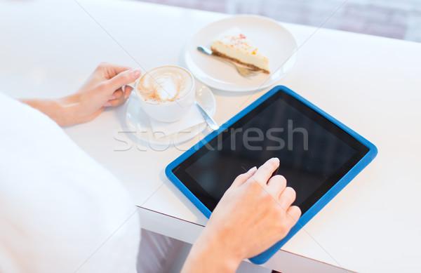 Mulher potável café lazer Foto stock © dolgachov