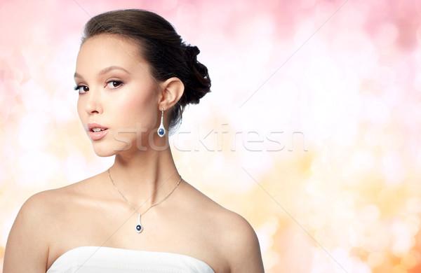 красивой азиатских женщину серьга красоту ювелирные Сток-фото © dolgachov