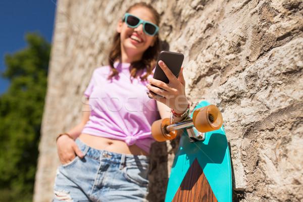 Stockfoto: Gelukkig · tienermeisje · smartphone · lifestyle · technologie · mensen