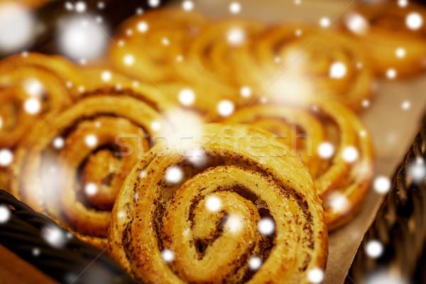 Közelkép pékség élelmiszerbolt étel sütés édesség Stock fotó © dolgachov
