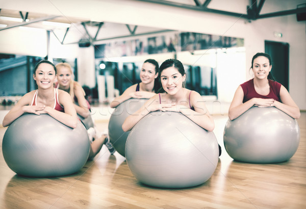 Grupo de personas pilates clase fitness deporte Foto stock © dolgachov
