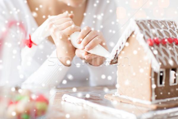 Vrouw peperkoek huis home cooking Stockfoto © dolgachov
