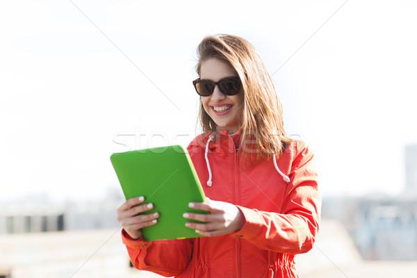 Stockfoto: Gelukkig · jonge · vrouw · tienermeisje · technologie · lifestyle