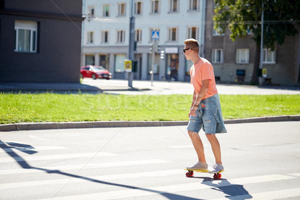 Deskorolka miasta przejście dla pieszych lata ruchu Zdjęcia stock © dolgachov