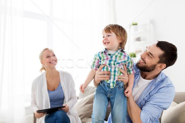 Glückliche Familie home Familie Verabschiedung Menschen glücklich Stock foto © dolgachov