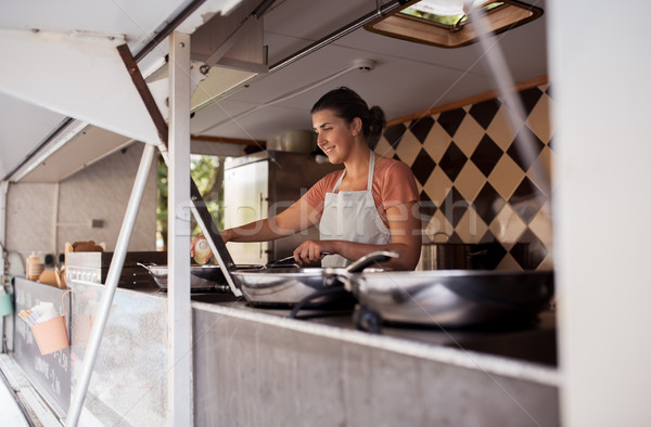 幸せ シェフ 販売者 料理 食品 トラック ストックフォト © dolgachov