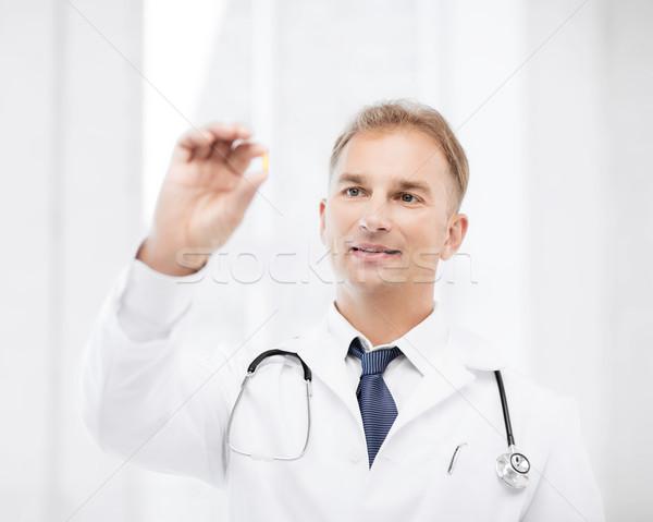 Arts tablet ziekenhuis gezondheidszorg medische Stockfoto © dolgachov