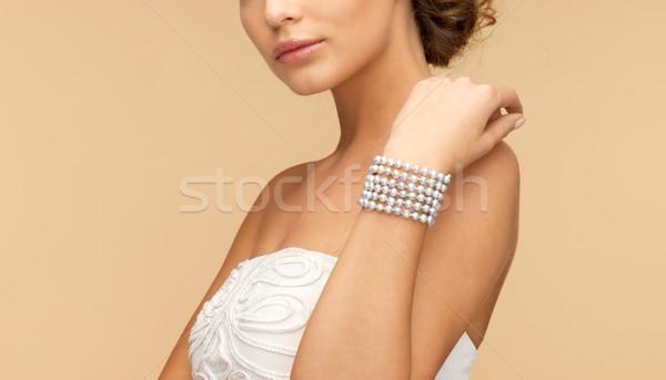 女性 真珠 ブレスレット 美しい 花嫁 着用 ストックフォト © dolgachov