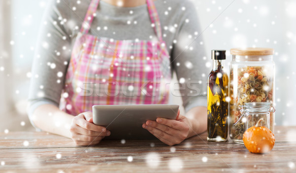 女性 読む レシピ 料理 ストックフォト © dolgachov