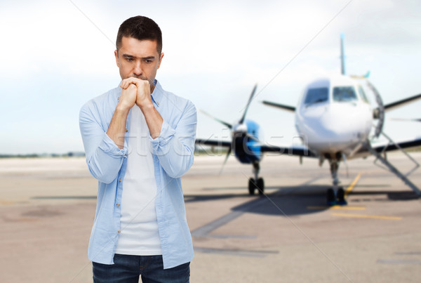Adam düşünme uçak pist fobi korku Stok fotoğraf © dolgachov