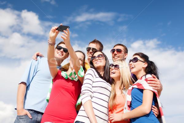 Stockfoto: Groep · vrienden · mobiele · telefoon · zomer · vakantie