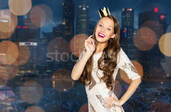 Feliz mulher jovem menina festa vestir coroa Foto stock © dolgachov