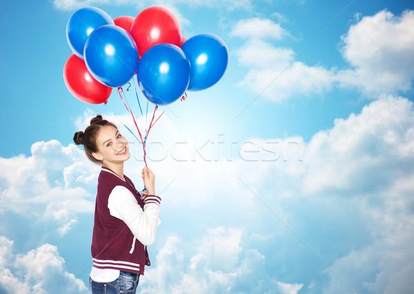 Boldog tinilány hélium léggömbök emberek tinédzserek Stock fotó © dolgachov