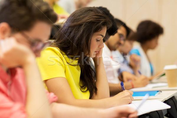 Grupy międzynarodowych studentów wykład edukacji liceum Zdjęcia stock © dolgachov