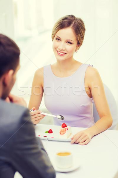 Lächelnd Paar Essen Dessert Restaurant Urlaub Stock foto © dolgachov