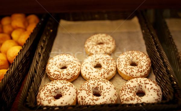 Donuts boulangerie épicerie alimentaire Photo stock © dolgachov