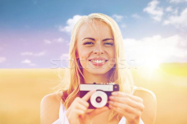 Stock fotó: Boldog · fiatal · nő · film · kamera · kint · természet