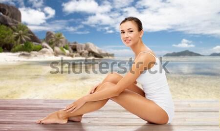Bela mulher toalha nu topo praia beleza Foto stock © dolgachov