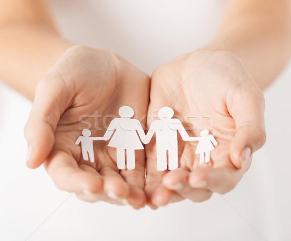 Handen papier man familie tonen Stockfoto © dolgachov