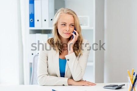 Stockfoto: Glimlachend · zakenvrouw · student · roepen · telefoon · onderwijs