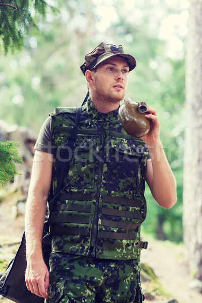 молодые солдата пушки колба лес войны Сток-фото © dolgachov