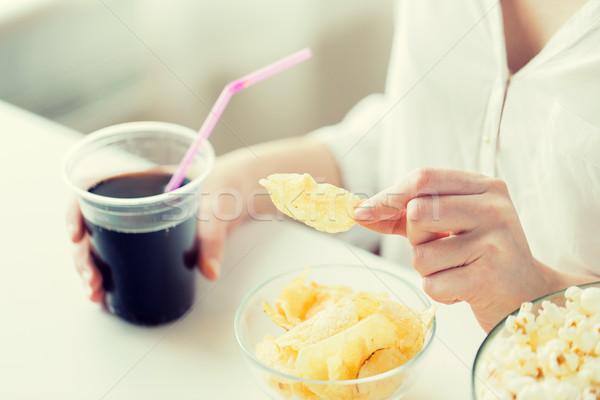 женщину Кубок люди быстрого питания Сток-фото © dolgachov