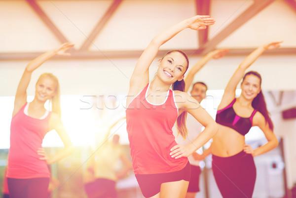 Foto d'archivio: Gruppo · sorridere · persone · palestra · fitness