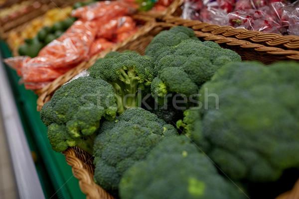 Brócolis mercearia mercado venda colheita Foto stock © dolgachov