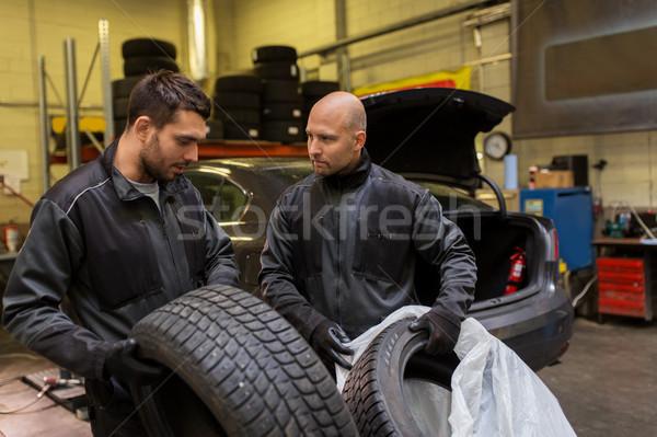 Auto mechanika samochodu opony warsztaty usługi Zdjęcia stock © dolgachov