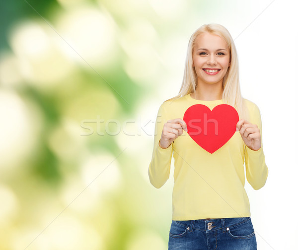 Stockfoto: Glimlachende · vrouw · Rood · hart · geluk · gezondheid · liefde