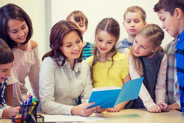 Zdjęcia stock: Grupy · szkoły · dzieci · nauczyciel · klasie · edukacji