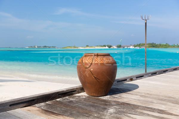 Maldivler ada plaj vazo ahşap Stok fotoğraf © dolgachov