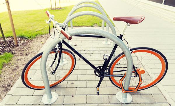 Vélo rue parking transport Photo stock © dolgachov