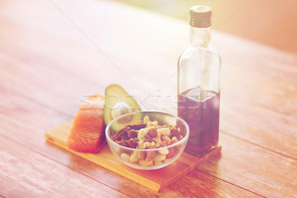 ストックフォト: 食品 · オリーブオイル · ボトル · 表 · 健康的な食事