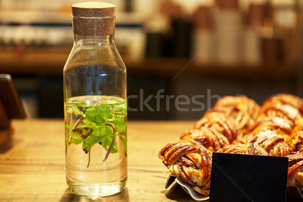 Fruits une bouteille d'eau épicerie alimentaire boire vente Photo stock © dolgachov