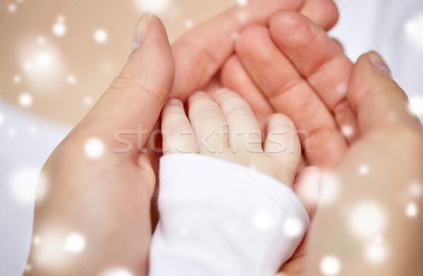 母親 赤ちゃん 手 家族 ストックフォト © dolgachov