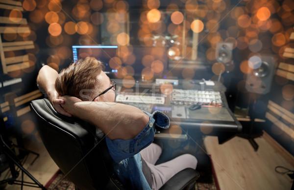 Uomo consolare musica tecnologia persone Foto d'archivio © dolgachov