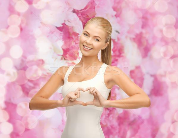 ストックフォト: 女性 · 心臓の形態 · ジェスチャー · 幸福 · 愛