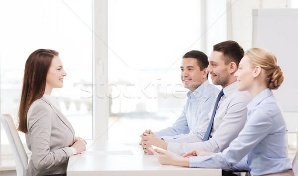 Sonriendo mujer de negocios entrevista oficina negocios carrera Foto stock © dolgachov