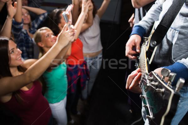 Ludzi muzyki koncertu klub nocny wakacje Zdjęcia stock © dolgachov