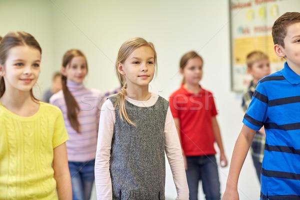 Сток-фото: группа · улыбаясь · школы · дети · ходьбе · коридор