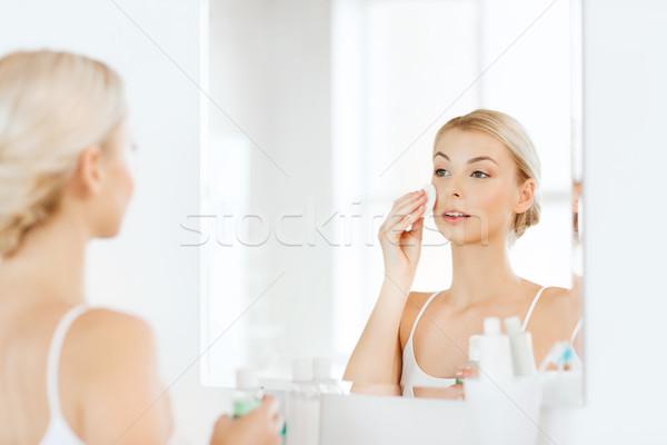 Loción lavado cara bano belleza Foto stock © dolgachov